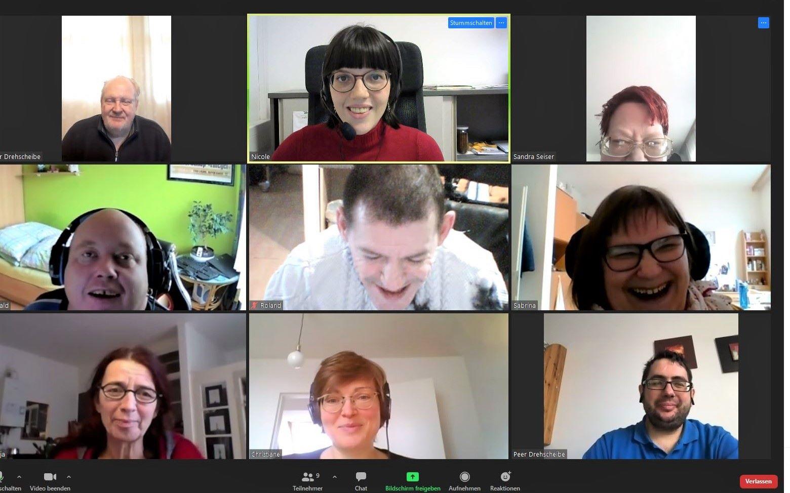 Bildschirmfoto von Mitarbeiterinnen und Mitarbeiter der Agentur Sonnenklar - Drehscheibe Peer-Streitschlichtung